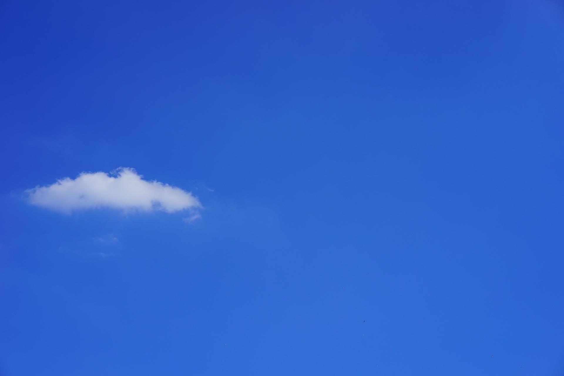cloud-1117279_1920